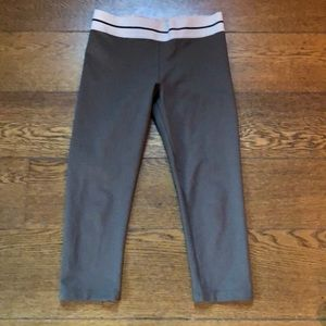 Olympia Activewear Cropped Olive Green Legging M